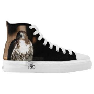 Die Kunst von Falknerei: Rot angebundener Falke Hoch-geschnittene Sneaker