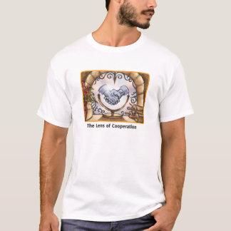 Die Linse von Zusammenarbeit T-Shirt