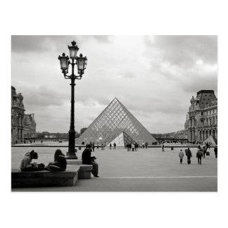 Die Louvre-Glaspyramide-Postkarte