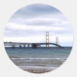 Die Mackinac Brücke Runder Aufkleber