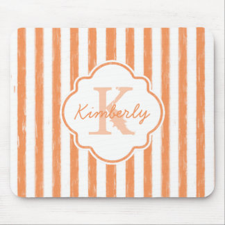 Die modische gemalte Orange Stripes Monogramm und Mauspads