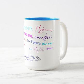 Die Muse-Regeln Zweifarbige Tasse