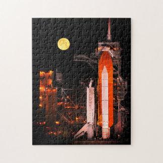 Die NASA-Raumfähre-Produkteinführung nachts Puzzle