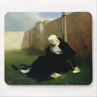 Die Nonne im Kloster-Garten, 1869 Mousepad