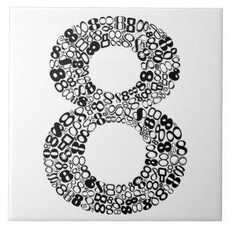 Die Nr. acht Keramikfliese