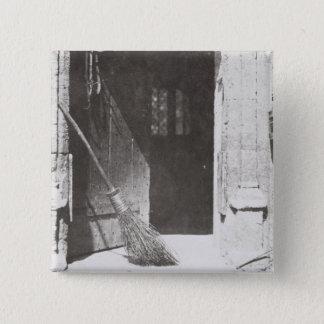 Die offene Tür, im März 1843 (b/w Foto) Quadratischer Button 5,1 Cm