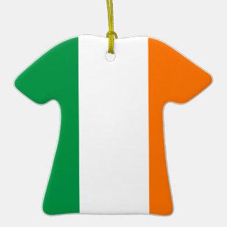 Die Republik- Irlandflagge auf Keramik-T-Shirt Keramik T-Shirt-Ornament
