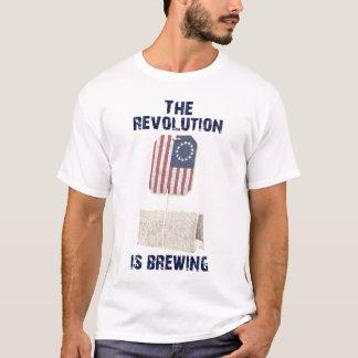 Die Revolution braut T-Shirt