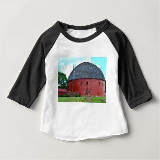 Die runde Scheune von Arcadia Baby T-shirt
