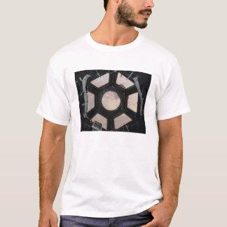 Die Sahara-Wüste sichtbar durch die Fenster T-Shirt