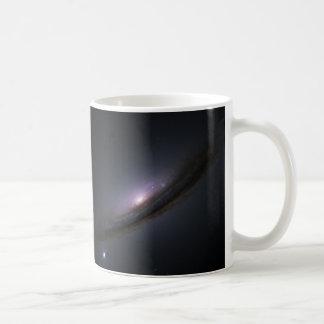 Die Scheiben-Galaxie NASA der Supernova 1994D Kaffeetasse