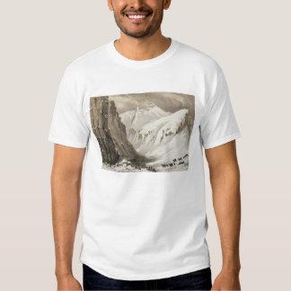 Die Schlitten, die ankommen im südlichen Depot, T Shirt