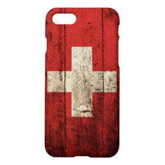 Die Schweiz-Flagge auf altem hölzernem Korn iPhone 8/7 Hülle