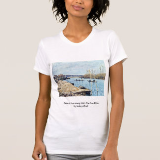 Die Seine am Hafen mergelig mit dem Sand-Stapel Tshirts