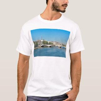 Die Seine in Paris, Frankreich T-Shirt