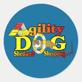 Die Shetlandinseln-Schäferhund Sheltie Agility Runder Aufkleber