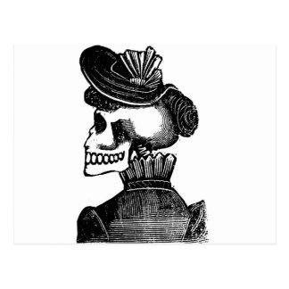 Die Skeleton Dame. Circa frühen 1900s Mexiko Postkarte