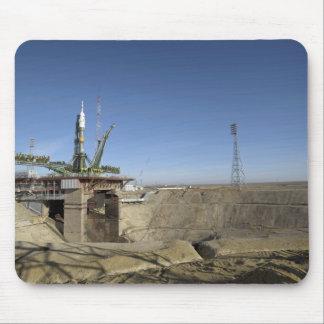 Die Soyuz Rakete wird in Position 5 aufgerichtet Mousepads