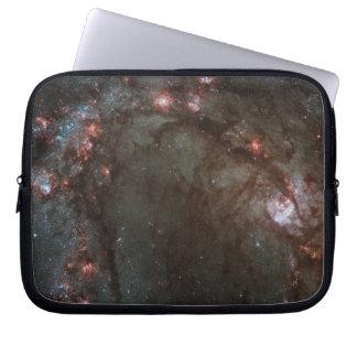 Die Spiralarm M83 NASA Laptopschutzhülle