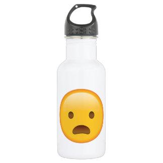 Die Stirn runzelndes Gesicht mit offenem Mund - Trinkflasche