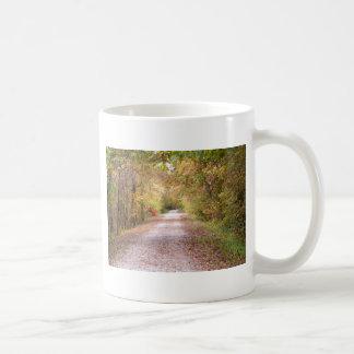 Die Straße reiste weniger Kaffeetasse