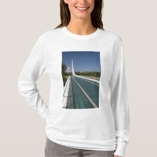 Die sundial-Brücke an der Schildkröte-Bucht T-Shirt