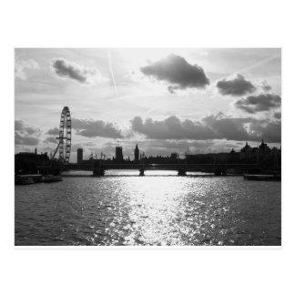 Die Themse und das London mono Postkarte