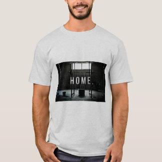 """""""Die Turnhalle ist mein Zuhause-"""" T - Shirt"""