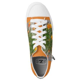 Die Turnschuhe der orange Niedrig-geschnittene Sneaker