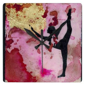 Die ursprüngliche Yoga-Mädchen-Quadrat-Uhr Quadratische Wanduhr