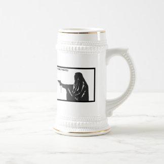 die Weindiebe Nonne mit einem Gewehr-Bier Stein Bierglas