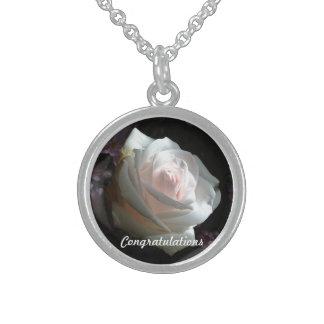 Die weiße Rose - Glückwünsche Sterling Silberkette