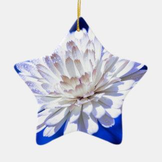 Die weiße Weise Keramik Ornament