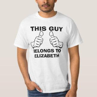 Dieser Typ gehört, um Namen einzutragen, um zu T-Shirt