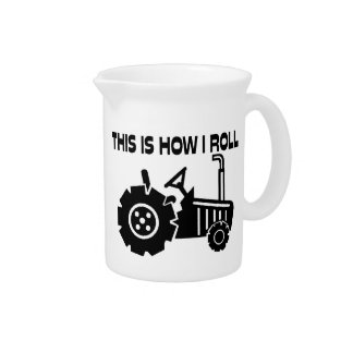Dieses ist, wie ich Landwirtschafts-Traktor rolle Krug