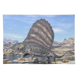 Dimetrodon stehend in einem Teich in der Wüste Stofftischset