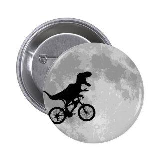 Dinosaurier auf einem Fahrrad im Himmel mit Mond-S Runder Button 5,1 Cm