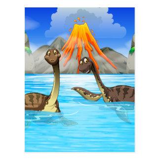 Dinosaurier, die im See schwimmen Postkarte