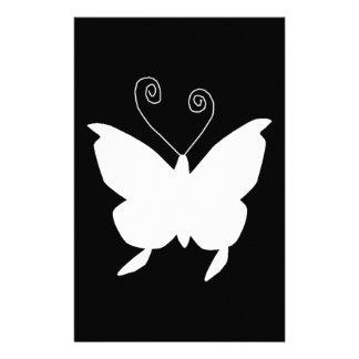 Diva-Schmetterling im Weiß Bedrucktes Papier