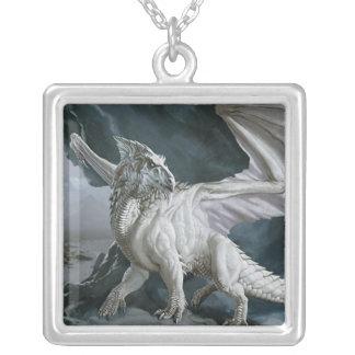 DnD Monster der weiße Drache Halskette Mit Quadratischem Anhänger