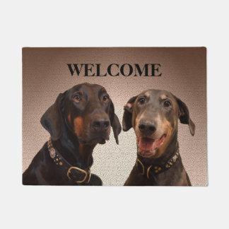 Dobermannhundewillkommene Türmatte