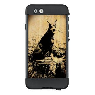 Dobermannpinscher-Vintages altes Foto LifeProof NÜÜD iPhone 6 Hülle