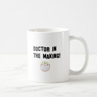 Doktor in der Herstellung Tasse