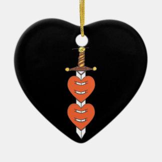 Dolch durch Herzen Keramik Ornament