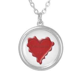 Dominique. Rotes Herzwachs-Siegel mit Versilberte Kette