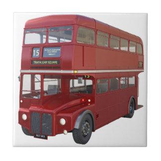 Doppeldecker-roter Bus im vorderen Profil Fliese