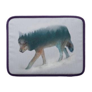 Doppelte Belichtung des Wolfs - Wolfwald - Wolf MacBook Air Sleeve