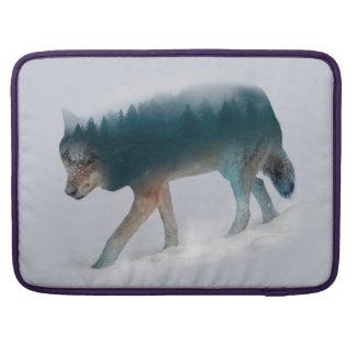 Doppelte Belichtung des Wolfs - Wolfwald - Wolf MacBook Pro Sleeve