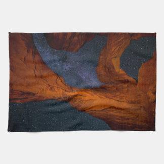 Doppelter Bogen und die Milchstraße - Utah Geschirrtuch