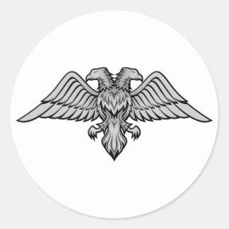 Doppeltes ging Adler voran Runder Aufkleber